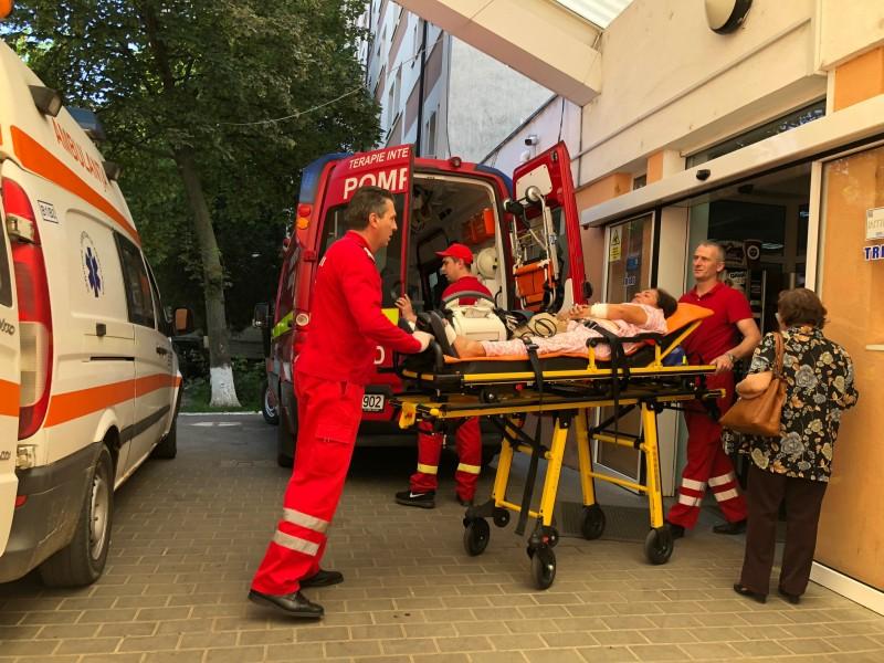 Femeie cu probleme cardiace grave, transferată la Iași cu elicopterul SMURD!