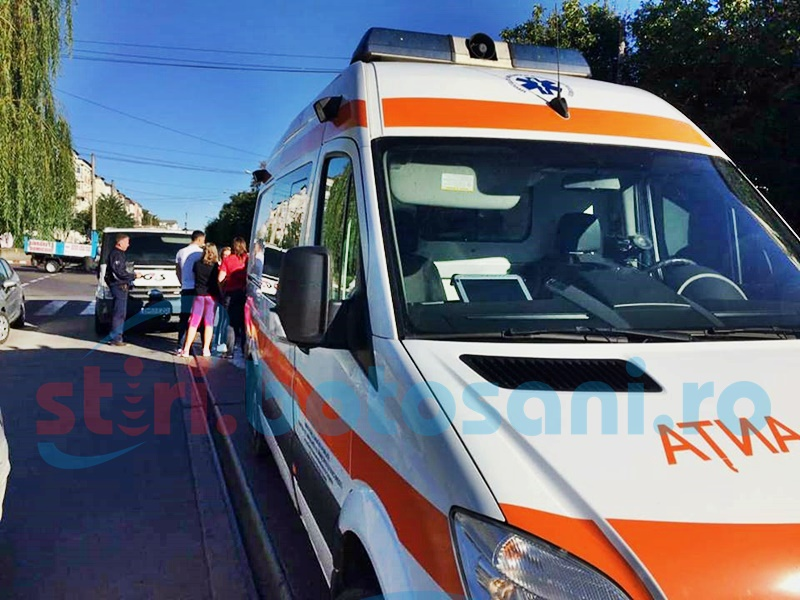 Femeie lovită de o mașină transport valori pe trecerea de pietoni! Șoferul a fost orbit de soare - FOTO