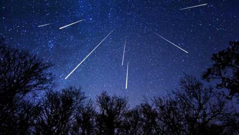 Fenomenul astronomic al lunii august: Curentul de meteori Perseide va avea activitatea maximă în noaptea de duminică spre luni