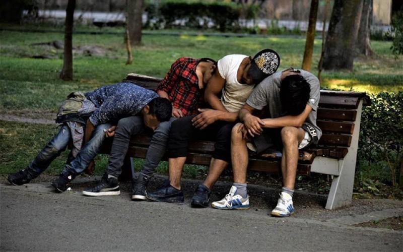Fenomenul drogurilor este o realitate la nivelul județului Botoșani. Iată și o serie de SEMNE că fiul sau fiica ta se droghează!