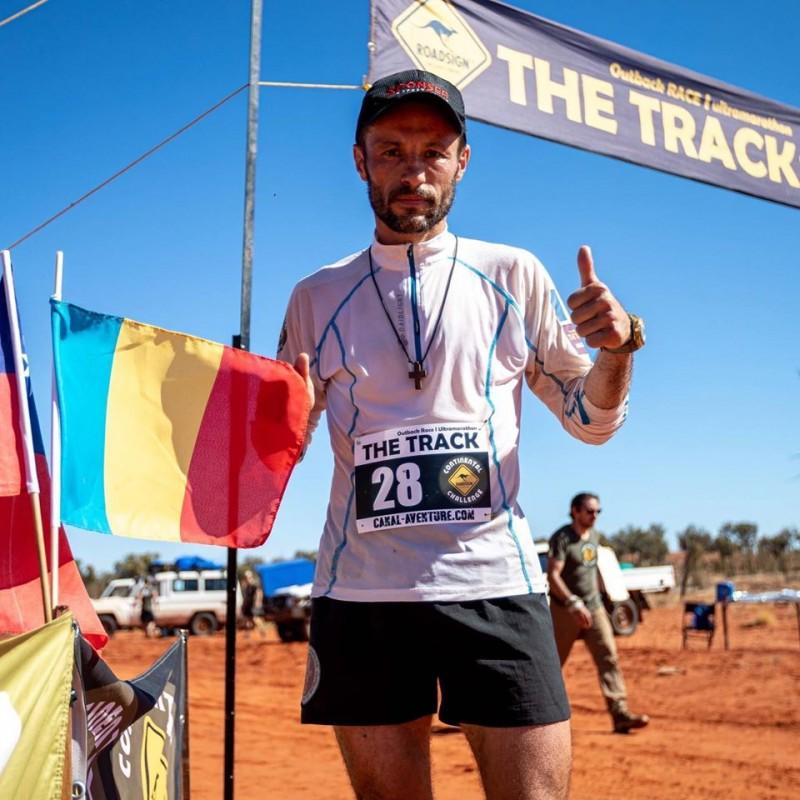 Fenomenul ultra-maratonului mondial. Singurul român care a câştigat cursa infernală de 220 de kilometri în Africa