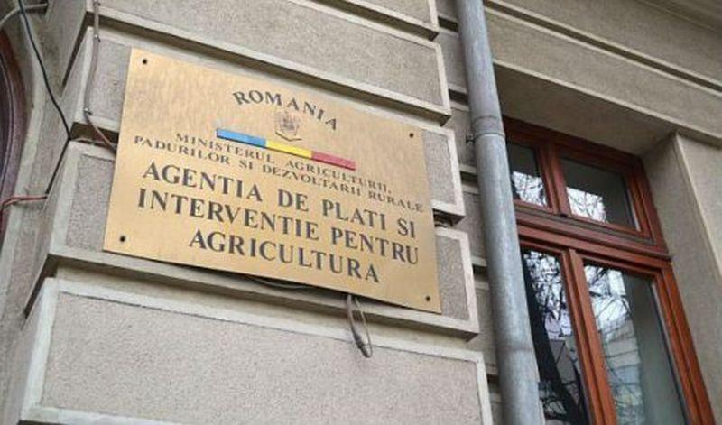 Fermieri botoșăneni, prezenți activ la o conferință în Gura Humorului, organizată de APIA