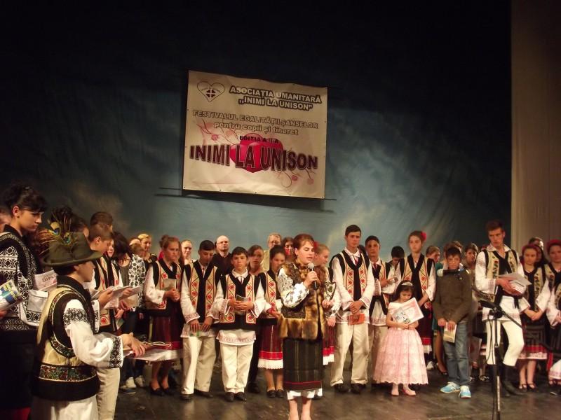 """Festivalul Egalităţii Şanselor pentru copii și tineret """"Inimi la unison"""", o lecţie despre viaţă! GALERIE FOTO"""