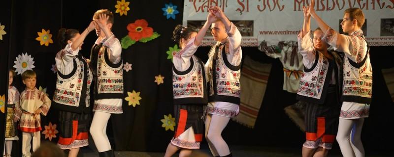 """Festivalul Naţional de Dans și Muzică Populară """"Cânt și joc moldovenesc"""", 2017! Vezi calendarul și regulamentul festivalului!"""
