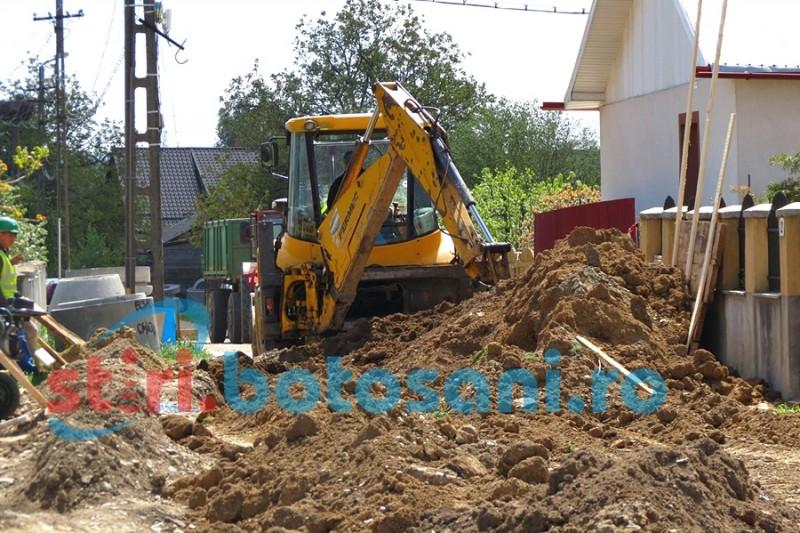 Finanţat de UE, proiectul privind extinderea reţelei de apă şi canalizare înaintează cu dificultăţi la Dorohoi