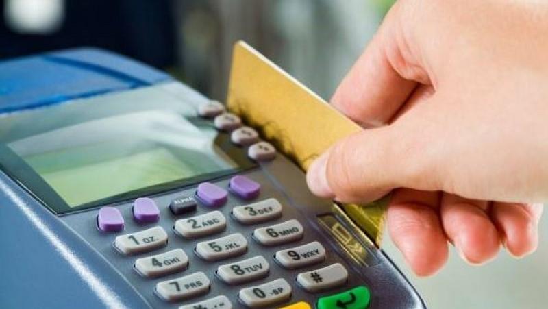 Firmele care acceptă plăţi cu cardul pot să acorde avansuri de numerar la cererea clienților!