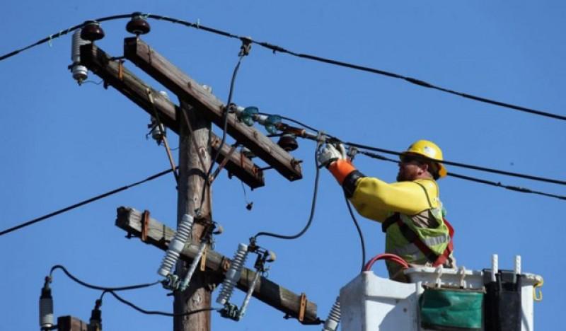 Firmele din România se pot racorda gratuit la reţelele electrice