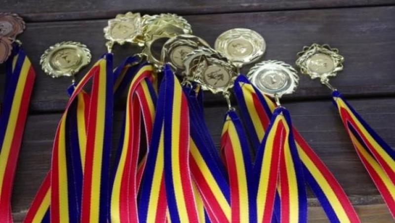 FIZICĂ: Rezultate de excepție reușite de lotul botoșănean la olimpiada națională!