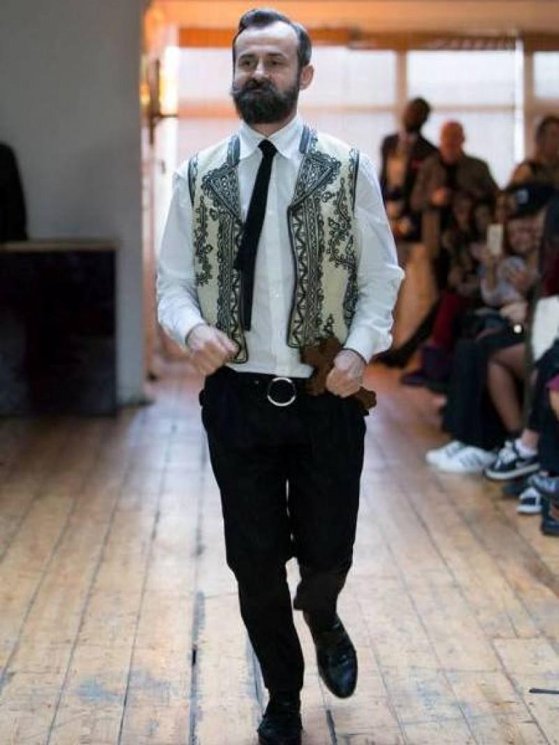 Florin Dobre, un tânăr designer de succes mărturisește: Mă întrebam: Am tot, de ce nu sunt fericit? Nu aveam...