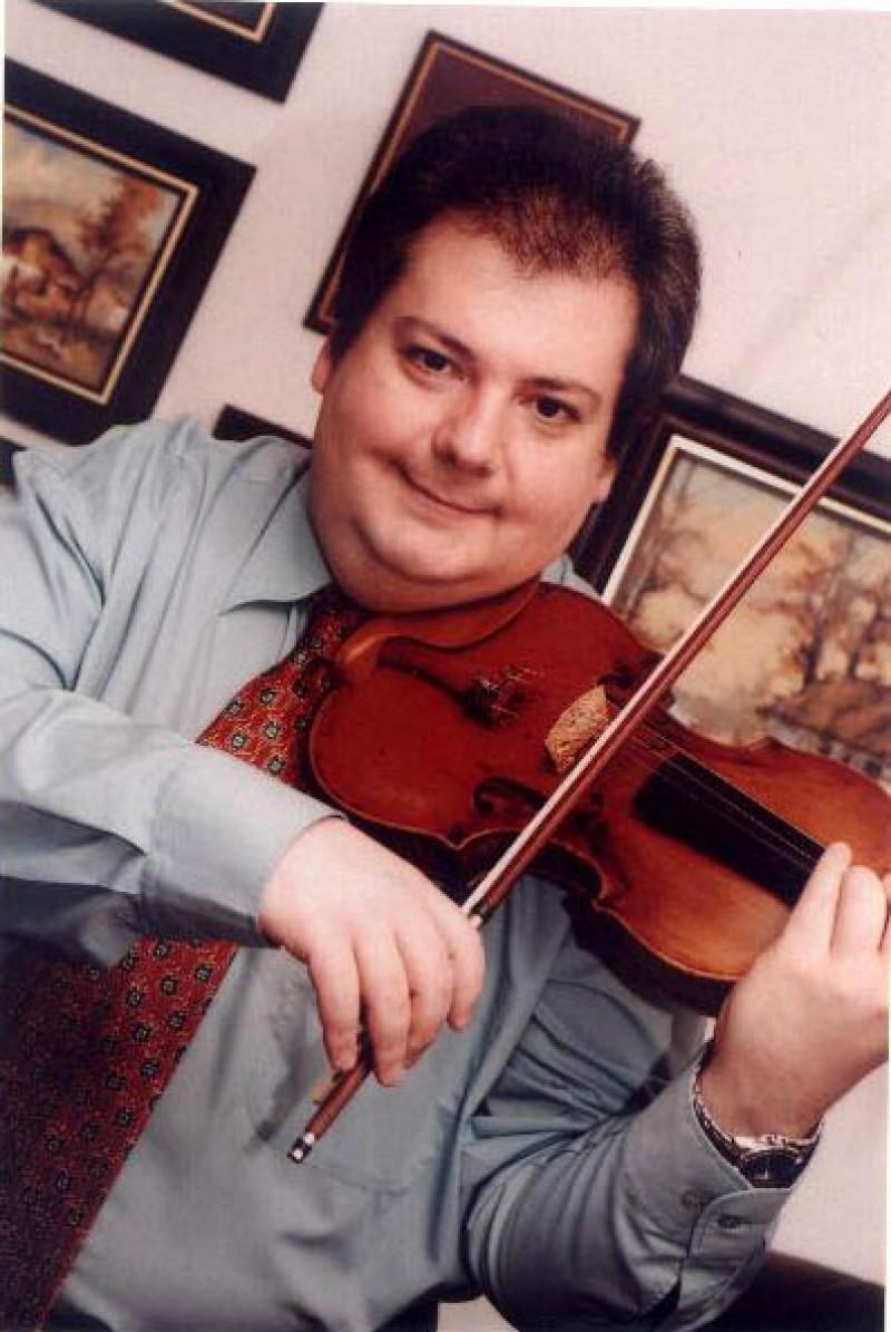 Florin Ionescu-Galati va concerta, vineri, pe scena Filarmonicii Botosani VIDEO