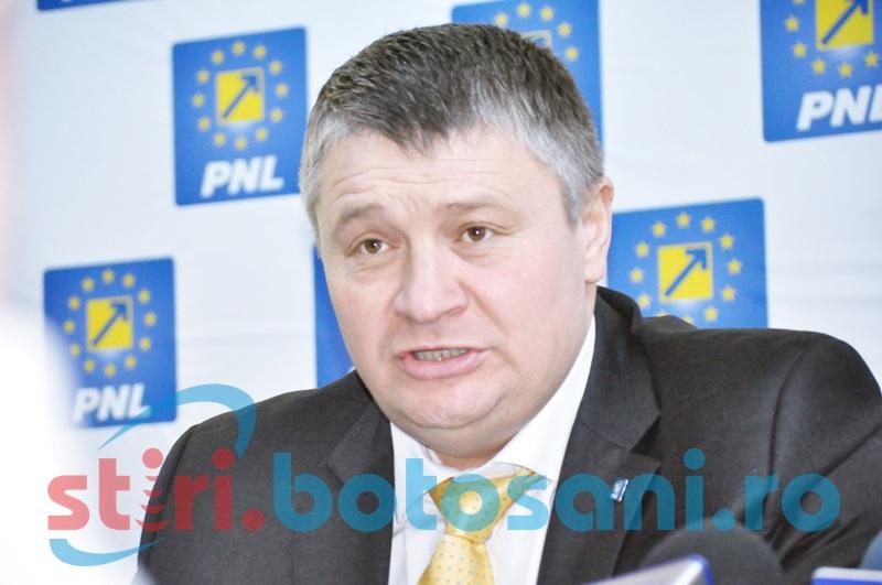 Florin Ţurcanu se întoarce: Şi-a depus candidatura pentru alegerile din 2016. VEZI unde vrea să ajungă!