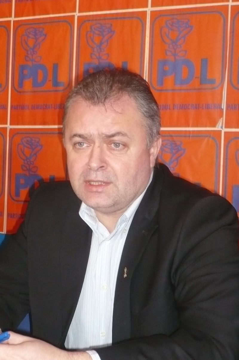 """FLUTUR: """"Voi candida la urmatoarele alegeri in partid!"""""""