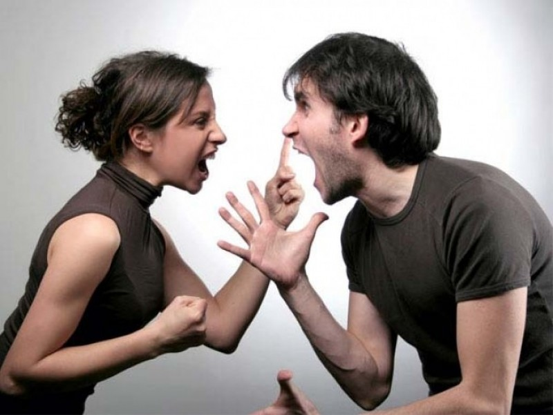 Foşti soţi obligaţi să facă afaceri împreună, deşi nu vor acest lucru