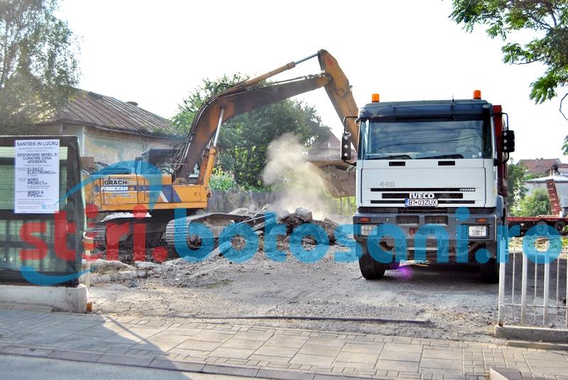 Fostul sediu al Elsaco demolat, pentru construcția Penny Market - FOTO