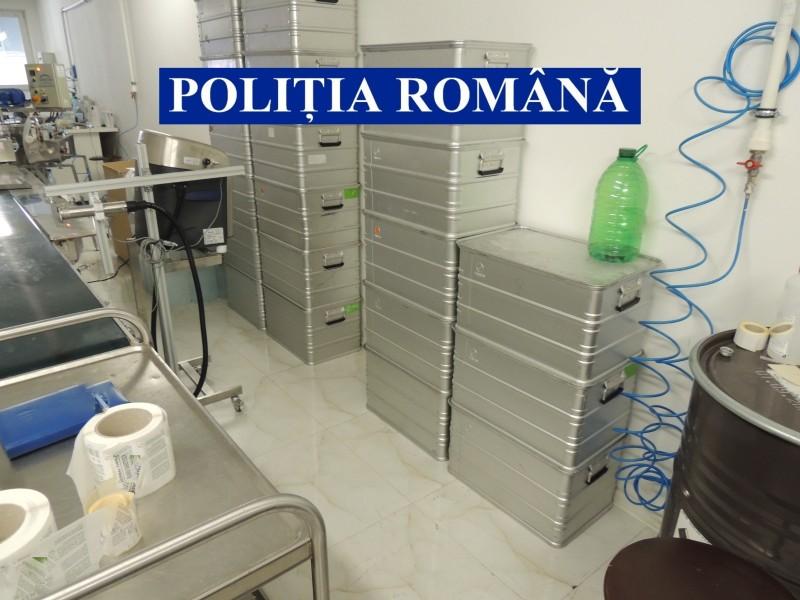 FOTO: Alcool etilic produs ilegal într-o fabrică de cosmetice, la Botoșani
