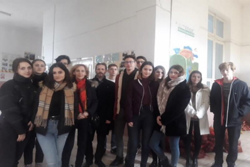 """Campanie umanitară derulată la Colegiul """"Eminescu"""", în """"Săptămâna legumelor şi a fructelor donate"""""""