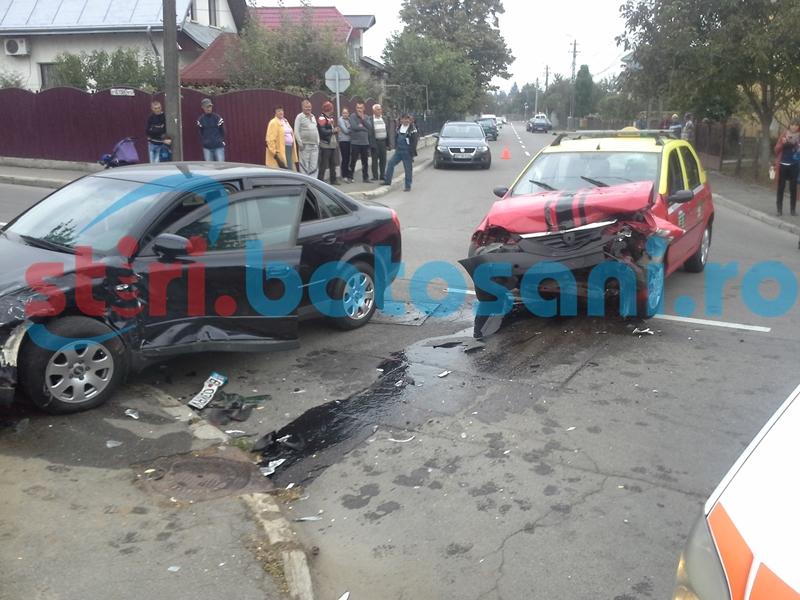 FOTO Cinci persoane rănite într-un accident provocat de un polițist, într-o intersecție din municipiu!