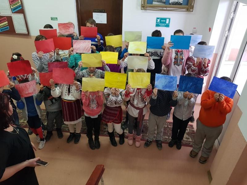 FOTO: Elevii Școlii din Sulița au simțit românește, de Ziua Națională