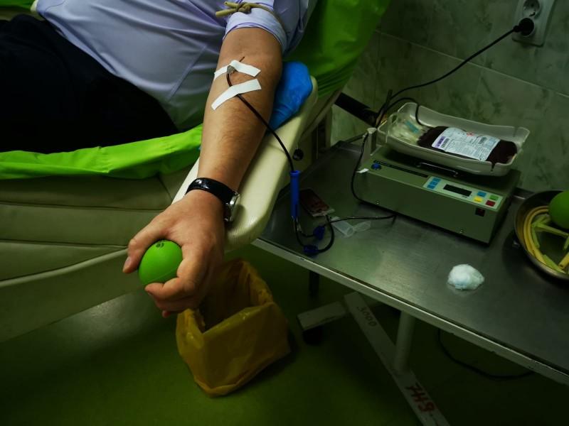 FOTO - Instituţia Prefectului încurajează donarea de sânge!