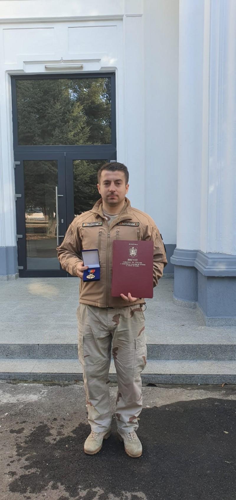 Foto: Jandarm botoșănean recompensat de U.S. Army