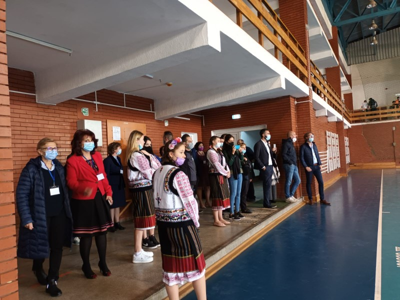(FOTO) Metodă inovatoare de predare pentru elevii Liceului cu Program Sportiv din Botoșani. Cum se vor desfășura orele de curs
