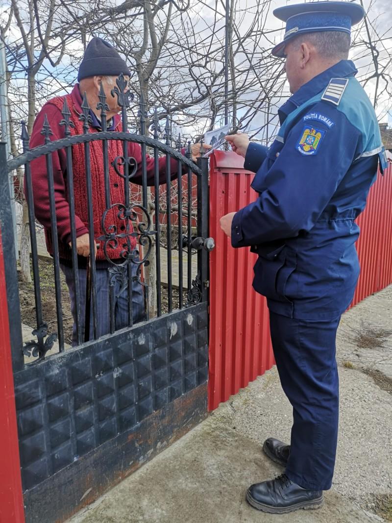 FOTO: Polițiștii botoșăneni derulează Campania ,,Hoţii îţi invadează intimitatea''