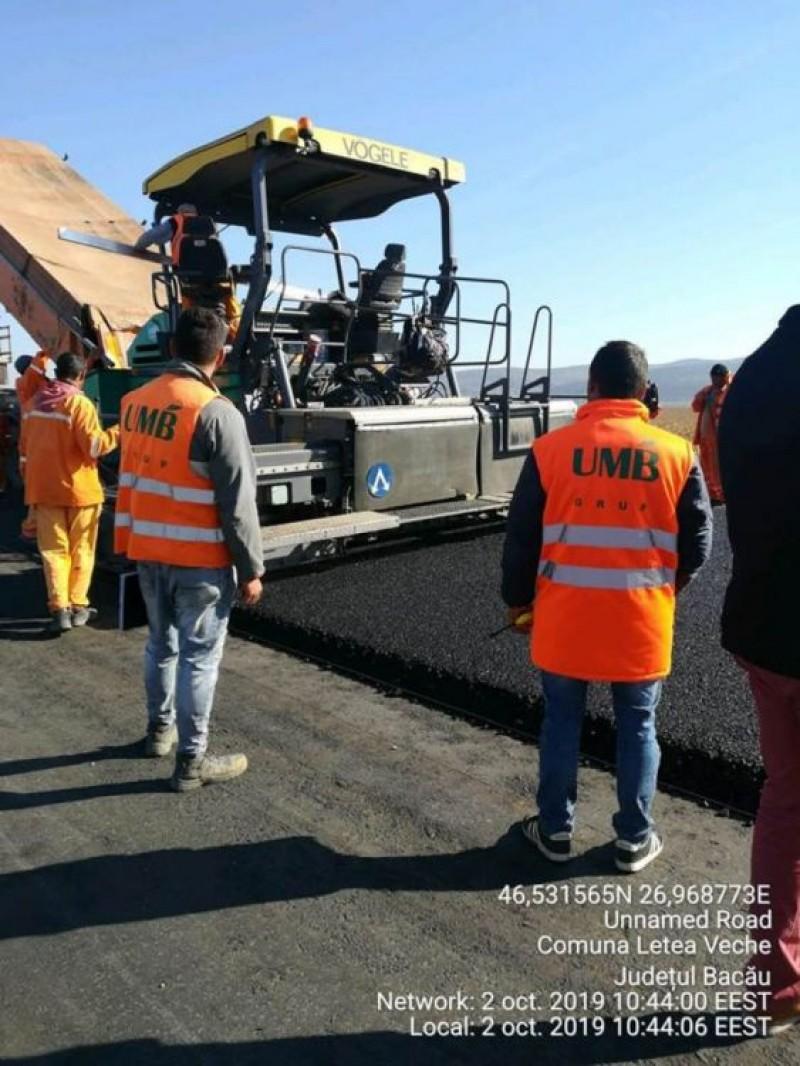 FOTO: Primii kilometri de asfalt din Autostrada Moldovei au fost turnați astăzi. Ce a anunțat șeful DRDP Iași