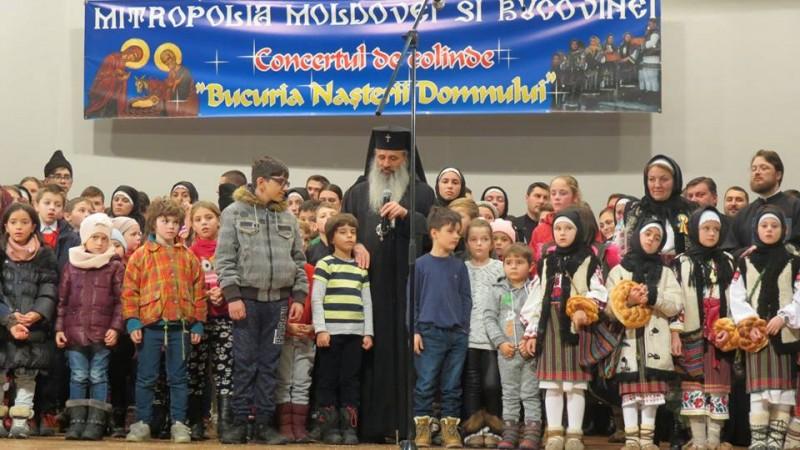 """FOTO, VIDEO - IPS Teofan, la concertul tradițional de colinde: """"Rugăciunea către Dumnezeu să fie pentru pace. Prea mulți nori se adună de la răsărit și de la apus"""""""
