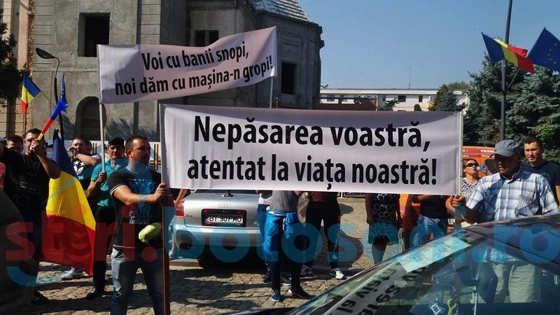 FOTOGRAFIA ZILEI: Cu varza la protest!