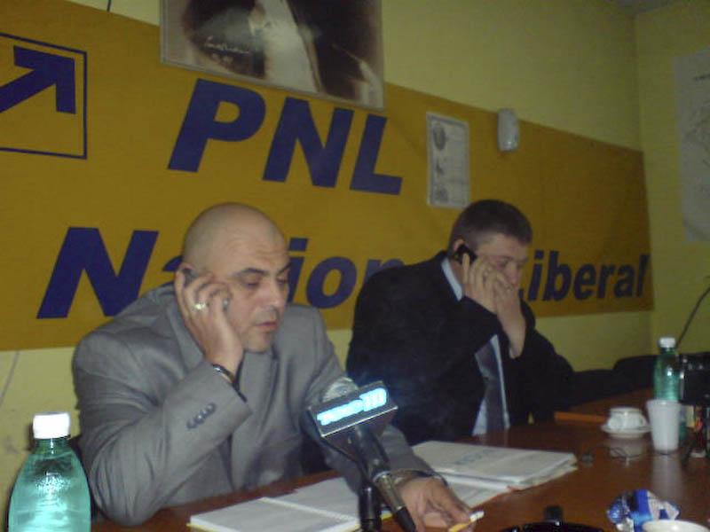 FOTOGRAFIA ZILEI - TELEFONferinta de presa la PNL!