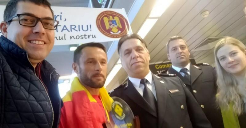 FOTO&VIDEO: Campionul botoșănean Iulian Rotariu s-a întors în țară, în urmă cu puțin timp