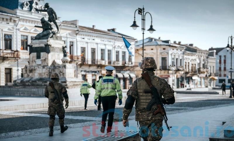 """FOTO&VIDEO: Descinderi ale forțelor militare în """"zona fierbinte"""" a municipiului Botoșani și în Centrul Istoric"""