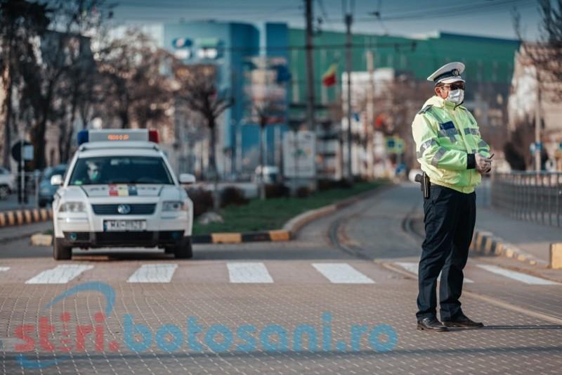 FOTO&VIDEO: Imnul României răsună în megafoanele autospecialelor de poliție, în semn de mulțumire