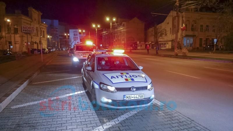 Foto&Video: Ora 22 pune capăt circulației. Prima acțiune a polițiștilor din Botoșani de la intrarea în vigoare a noilor restricții