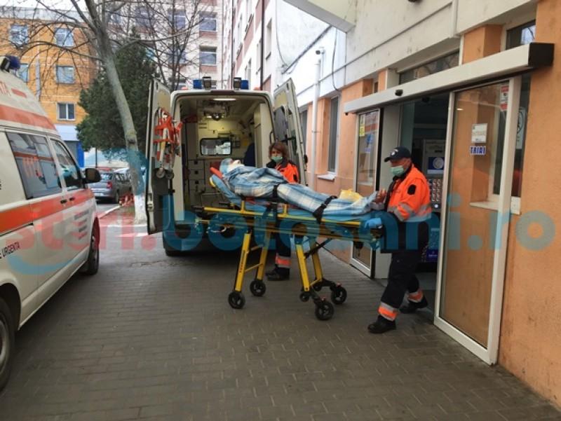 Frigul face noi victime la Botoşani. Bărbat salvat în ultimul moment de medici