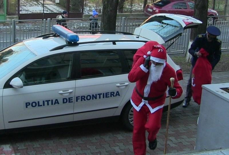 Polițiștii de frontieră, Moș Crăciun pentru doi frați din Botoșani