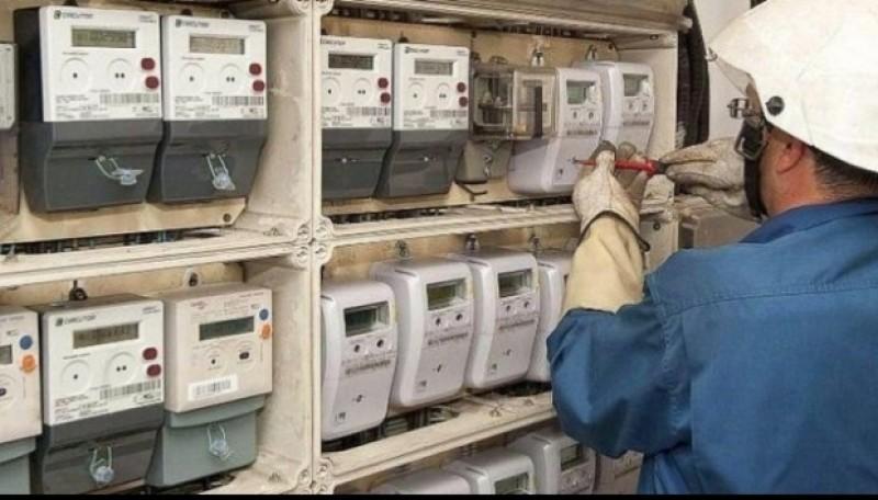 Furnizorii de energie cer să aibă şi ei dreptul de a denunţa unilateral contractele cu consumatorii
