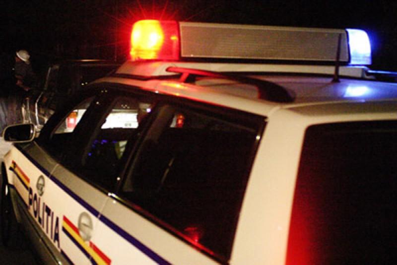 Un adolescent a furat o maşină dintr-un service şi a plecat la plimbare!