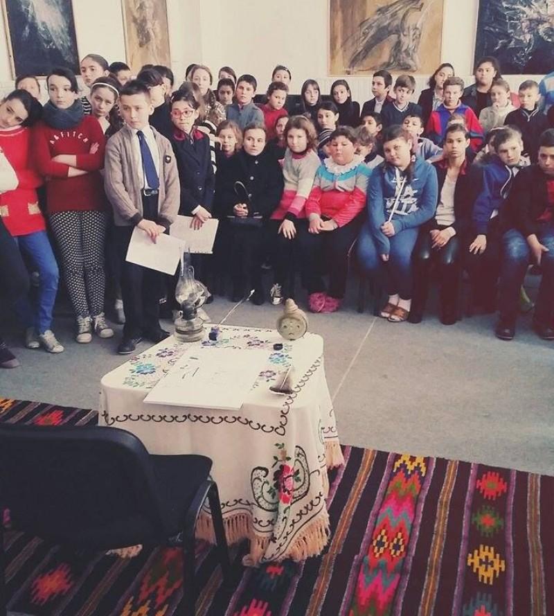 """Gând pentru Eminescu, la Școala Gimnazială """"Ioan Murariu"""", Cristinești! FOTO"""