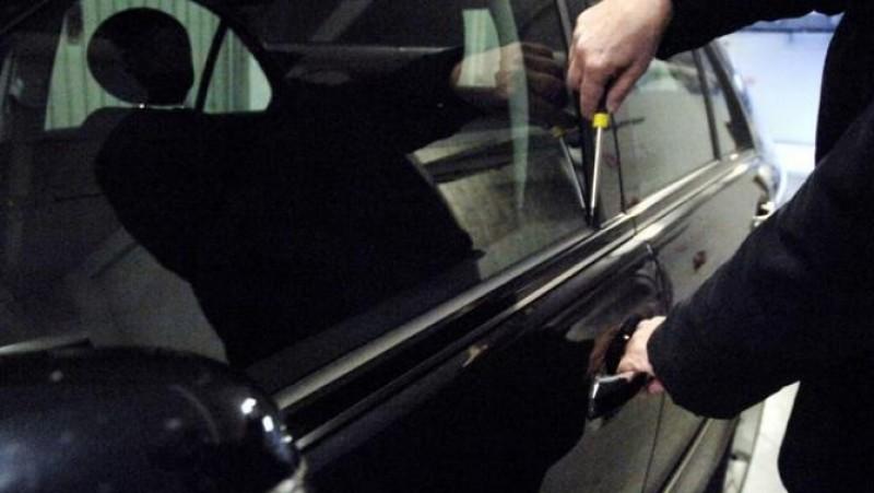 Gaşcă organizată şi condusă de un botoşănean, ravagii printre autoturismele sucevenilor