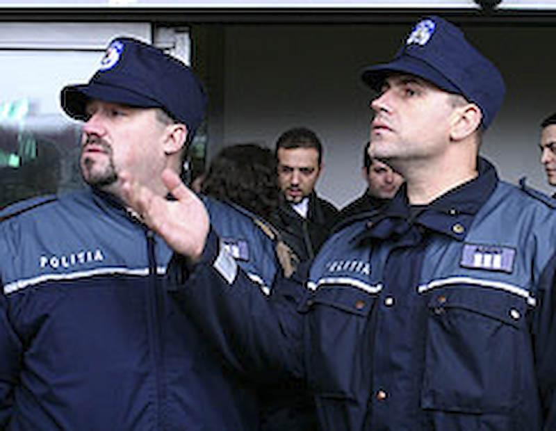 Generalii la pensie, politistii in strada!