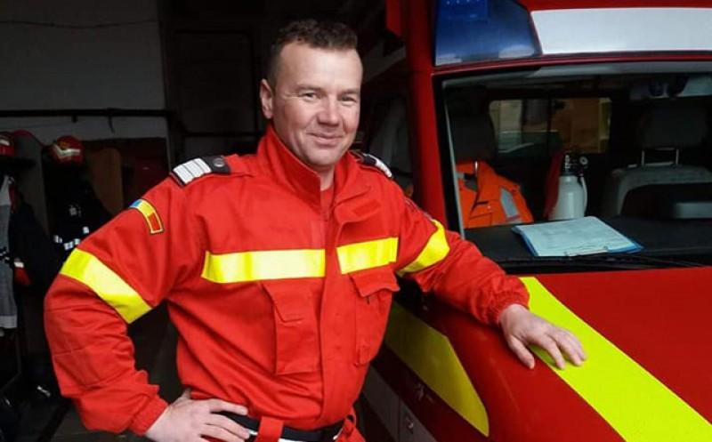Gesturi. Un pompier de la Botoșani vrea să strângă bani pentru a reface casa distrusă de flăcări a unei familii cu 3 copii
