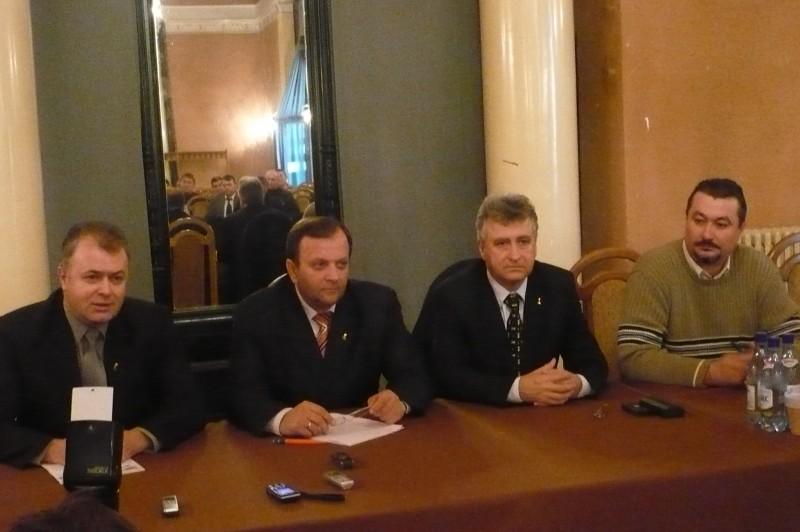 """GHEORGHE FLUTUR: """"La Botosani, vedem un potential foarte mare pentru Traian Basescu pentru turul doi!"""""""
