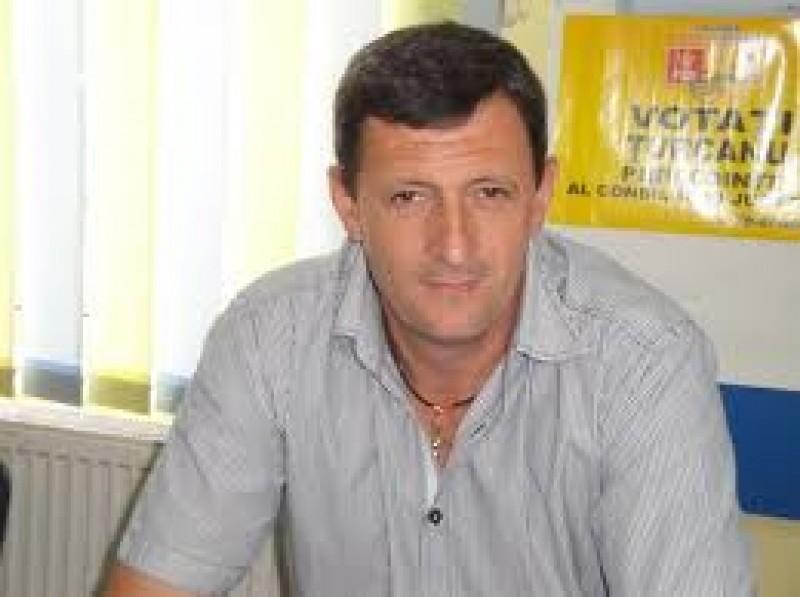 """Gireada a votat motiunea PDL: """"Cum să votez împotriva propriului Guvern?"""", se miră parlamentarul de Botoșani!"""