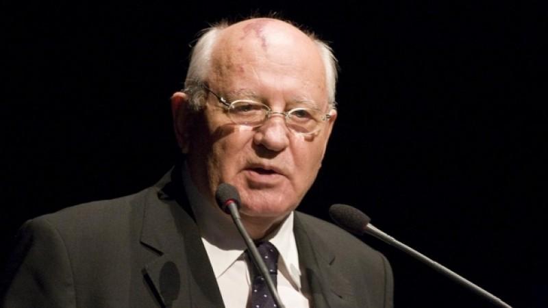 Gorbaciov: Întreaga lume arată de parcă se pregăteşte de război