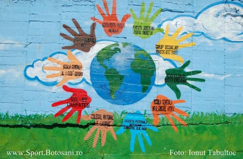 Graffiti terminat! Partea exterioara a Peluzei Sud a fost desenata cu indemnuri de pace!