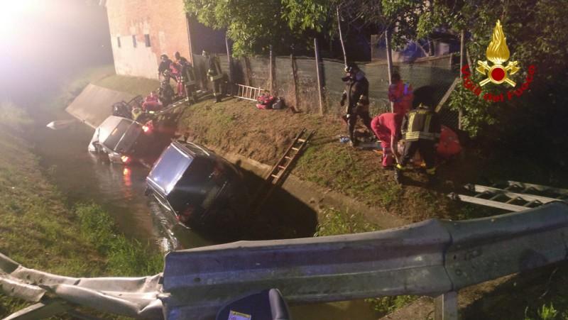 Grav accident în talia: Tânăr român moare după ce s-a răsturnat cu mașina în canalul de pe marginea drumului