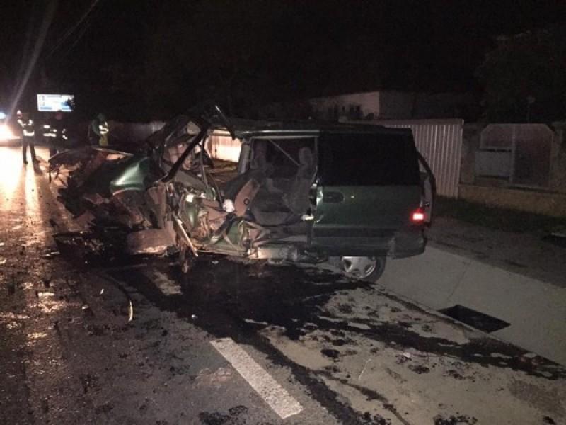 Grav accident la Dumbrăveni cu o familie din Botoșani, care se întorcea din Germania! Șoferul a rămas încarcerat! FOTO