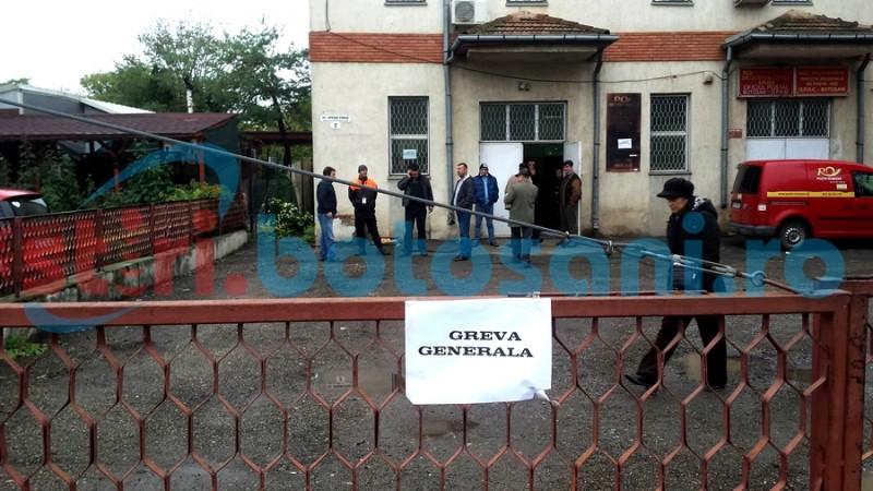 GREVĂ GENERALĂ la Poşta Botoşani! Niciun oficiu nu lucrează! FOTO