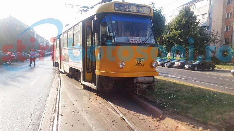 Grijile unui consilier pot dispărea. Contractul de finanțare pentru modernizarea căii de rulare a tramvaielor a fost semnat de către ministru